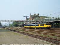 NSR loc 1833 met 2 ICR's  |  Geldermalsen  |  30 april 2004   [229 kB]