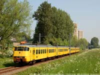 SGM-II 2033+2023  |  Zoetermeer Delftsewallen  |  12 mei 2006   [483 kB]
