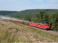 DB-locs 151 040+151 152 met stuivende kalktrein  |  Brückenmühle (D)  |  17 augustus 2006   [413 kB]