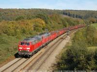 DB-locs 225 018+225 120 met schroottrein  |  Gemmenich (B)  |  17 oktober 2006   [456 kB]